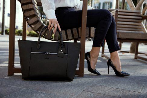 cabas noir élégant leather bag